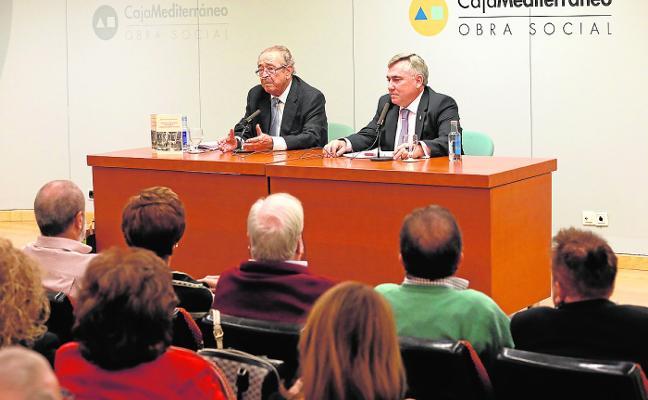Ricardo Montes repasa la 'otra Historia' de Murcia