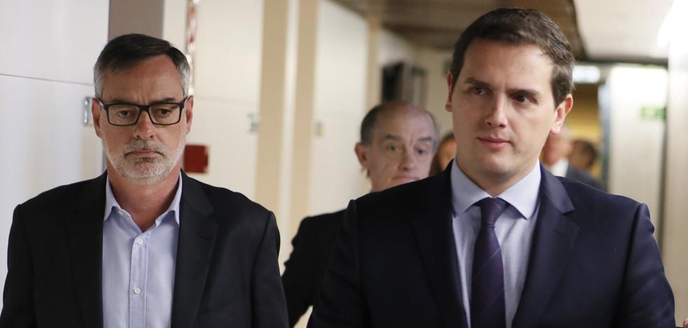 Rivera aplaude que Forcadell reconozca que «no hay una república catalana»