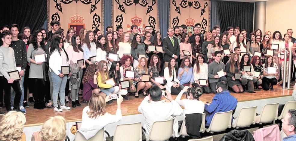 Distinguen a los mejores alumnos del Conservatorio, Bachiller y FP