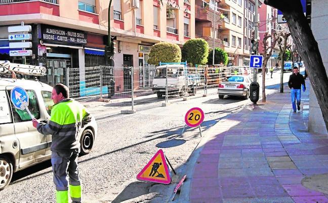 Imbornales 'antirruido' en la carretera de Murcia