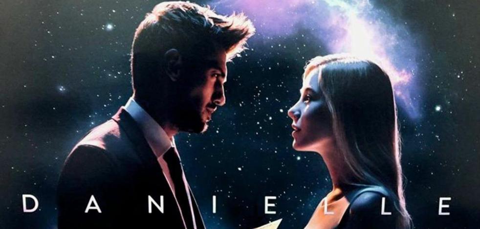La historia de amor extraterrestre de Amenábar para el anuncio de la Lotería de Navidad