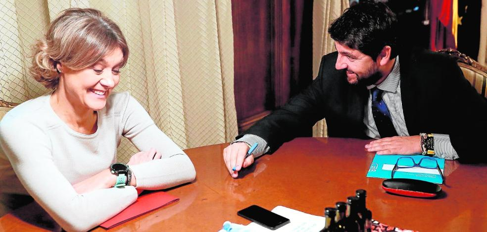 La ministra propone abrir más pozos y acelerar la ampliación de las desaladoras