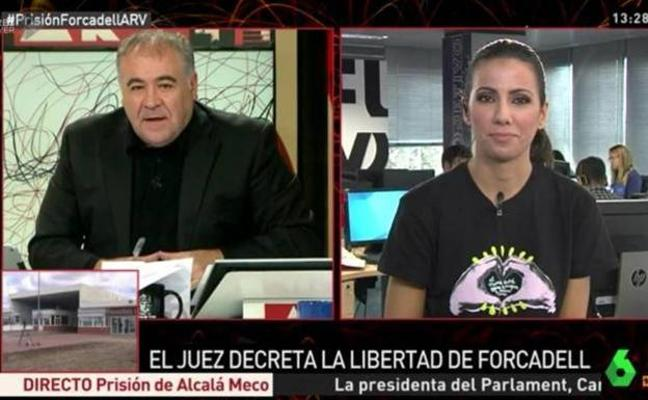 La 'pillada' de Ferreras en directo haciendo un cariñoso gesto a Ana Pastor