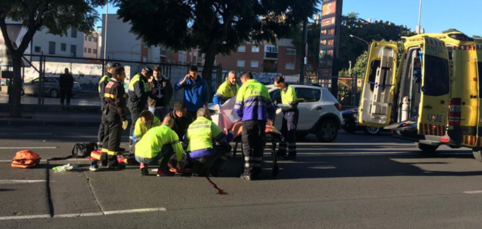 Dos heridos graves en sendos atropellos en vías de la Región
