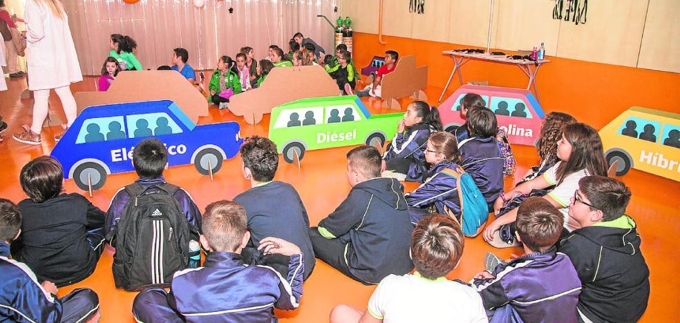 Cuatro mil escolares aprenden en El Batel lecciones sobre energía
