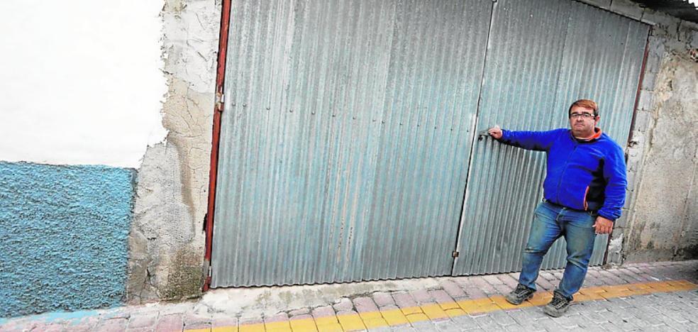 La Policía multa con 3.000 euros a un vecino de Bullas por pintar una línea amarilla