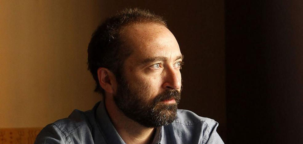 Encuentro con el escritor José Óscar López