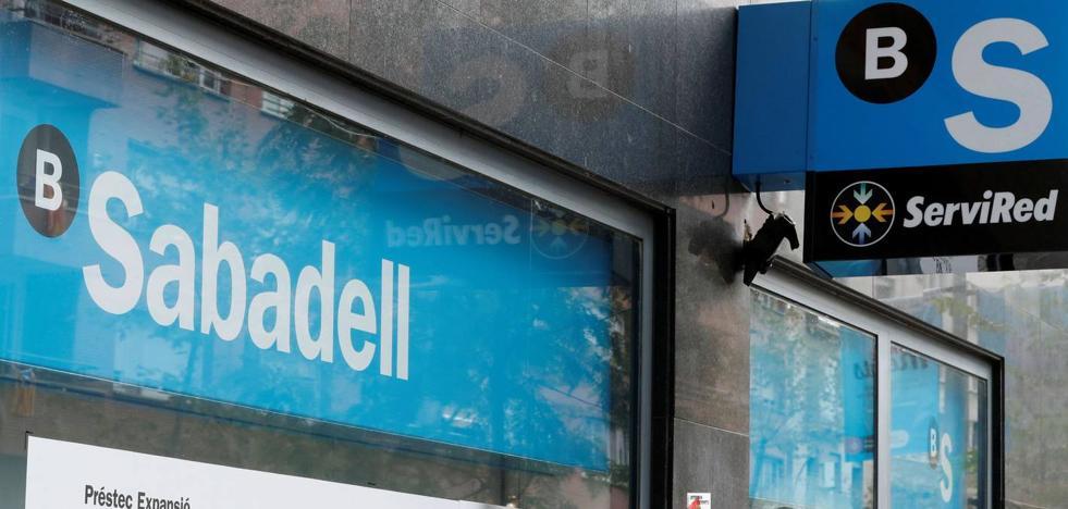 El Sabadell cerrará cuatro sucursales en la Región este mes