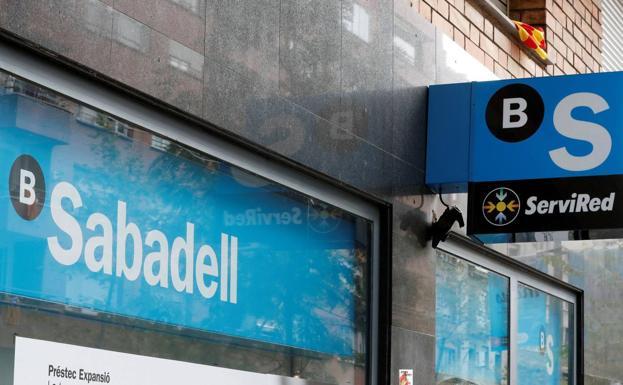 El sabadell cerrar cuatro sucursales en la regi n este for Oficina 5077 banco sabadell