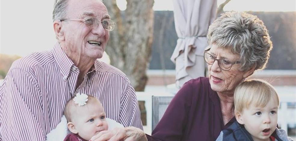 Dejar a los niños bajo el cuidado de sus abuelos podría perjudicar a su salud