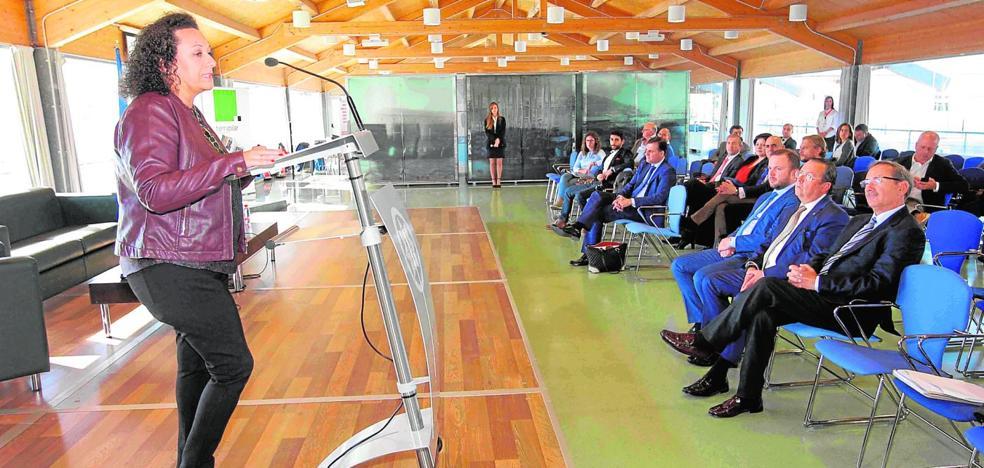 Los promotores critican que una licencia de obra tarda el triple que en Murcia