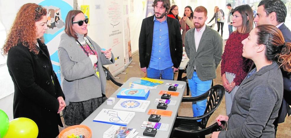 La plantilla de Arimesa lleva su protesta hasta la Feria de Empleo