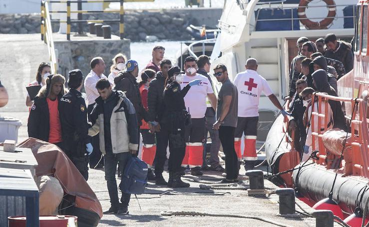 Llegan más de 20 pateras a las costas de la Región