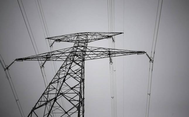Condenado por engancharse cuatro veces a la red eléctrica de forma ilegal