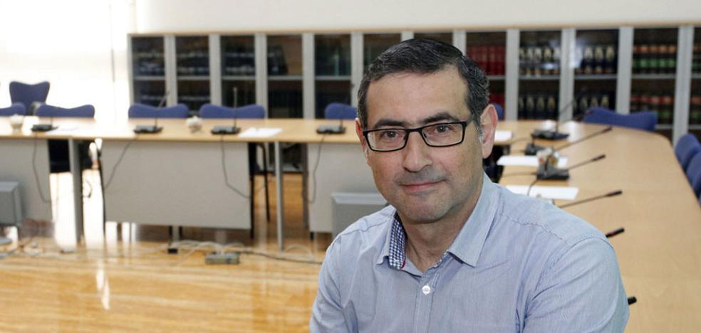 El presidente del CES irrumpe en la carrera por el Rectorado de la UMU