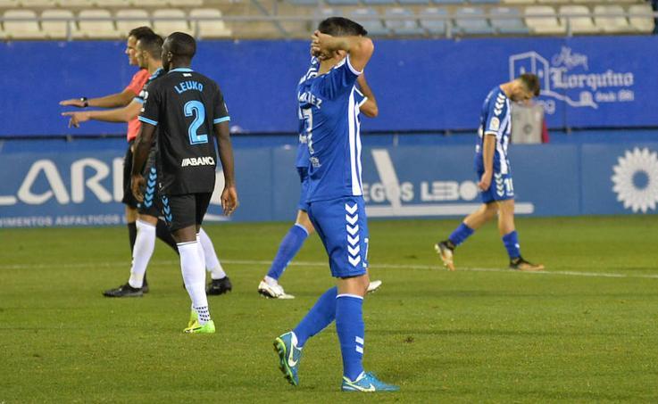Las imágenes del encuentro entre el Lorca FC y el Lugo