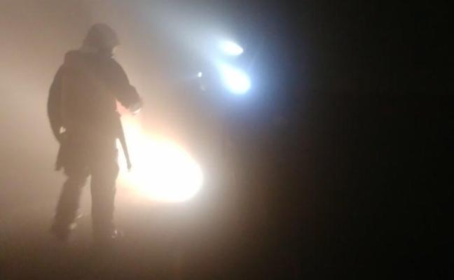 Extinguen un incendio en un garaje de Molina de Segura