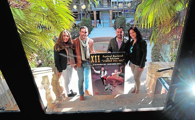 Aires mediterráneos en el festival de folclore dedicado a San Clemente