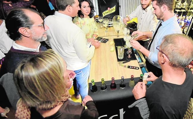 Devoción por los cócteles 'premium' con Schweppes