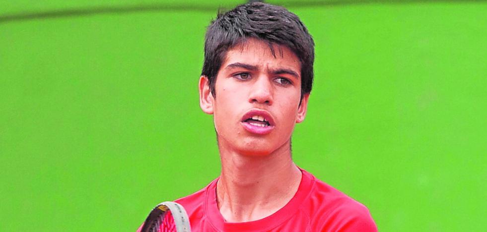 Carlos Alcaraz, un infantil favorito en el Regional absoluto