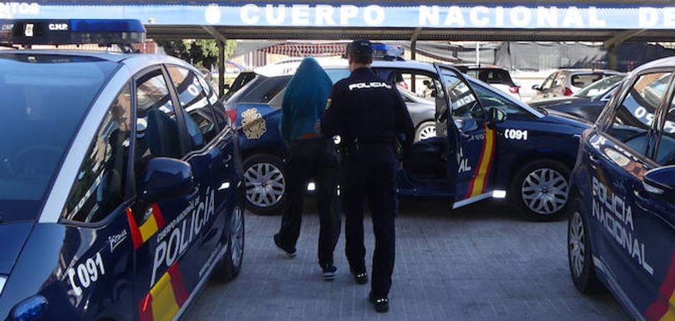 Detenido tras robar y agredir al gerente de un bar de Lorquí que le dio de cenar gratis a él y a su hija