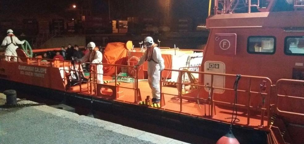 Localizan otra patera con 11 inmigrantes a bordo frente a las costas de la Región