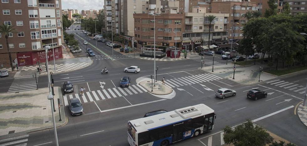 Infraestructuras descarta las dos rotondas para regular cruces en la Alameda