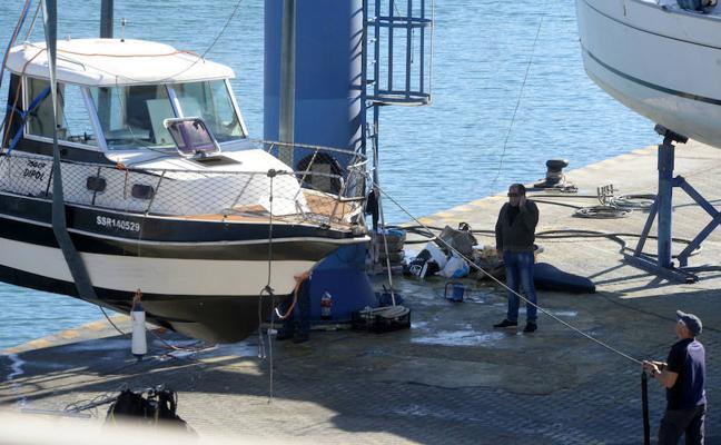 La Guardia Civil intercepta en alta mar un yate con un cargamento de hachís
