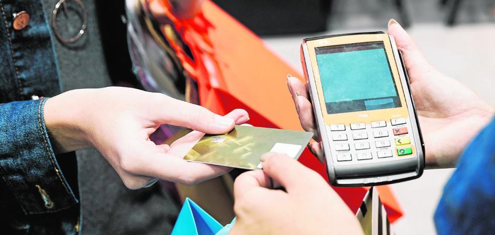 Los murcianos afrontan el final de año entre compras y nuevos empleos