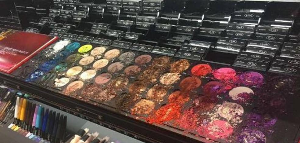 Un niño destroza una tienda de Sephora al pensar que las pinturas eran un juego