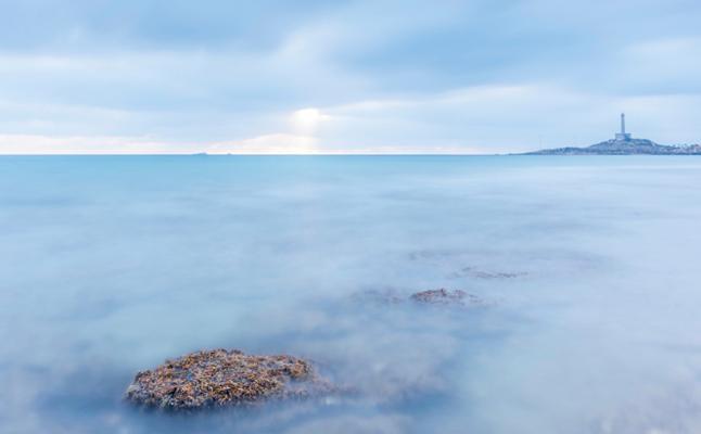 Más de treinta paisajes con la costa de fondo