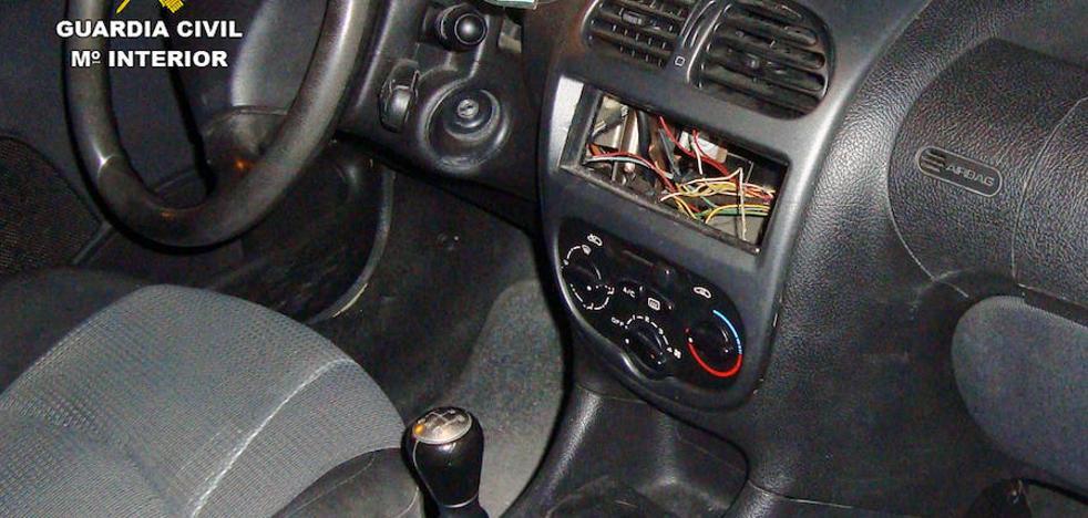 Detenido por presuntamente robar en el interior de 9 vehículos en Jumilla