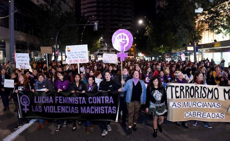 Un grito unánime contra la violencia de género en Murcia