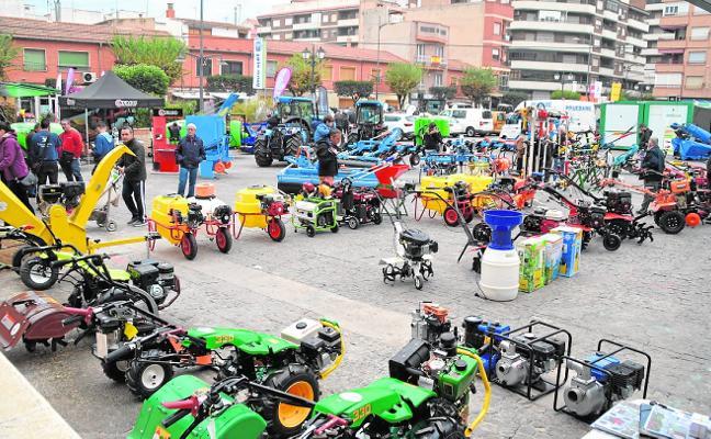 La nueva maquinaria atrae a los visitantes a la Feria Agrícola