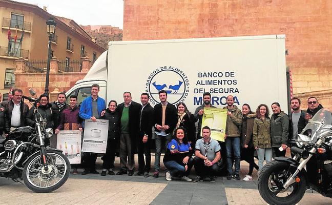 200 voluntarios se marcan el reto de recoger 12 toneladas de comida