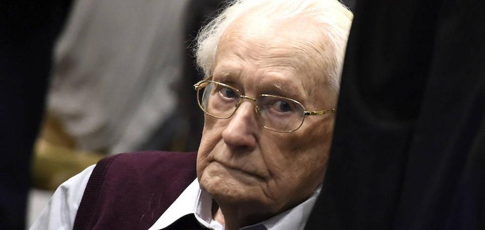 Declaran apto para prisión al contable de Auschwitz de 96 años