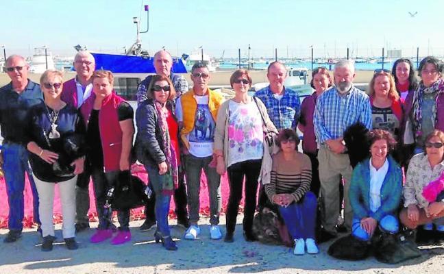 El sector pesquero se reinventa con el cultivo de algas, turismo marinero y visitas a las lonjas