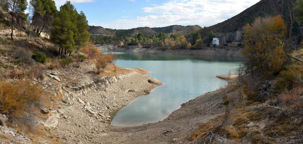 La CHS obliga a los municipios de más de 20.000 habitantes a recortar el consumo de agua