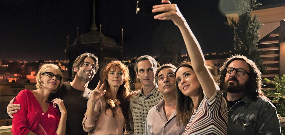 Los 'Perfectos desconocidos' de Álex de la Iglesia y 'Coco', ya en los cines