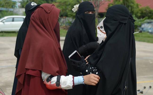 Un juez canadiense suspende una ley que prohíbe el uso del niqab en Quebec