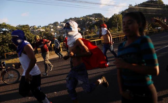 Aumenta a cinco el número de muertos en las protestas poselectorales en Honduras