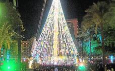 La Navidad se anuncia a 40 metros de altura