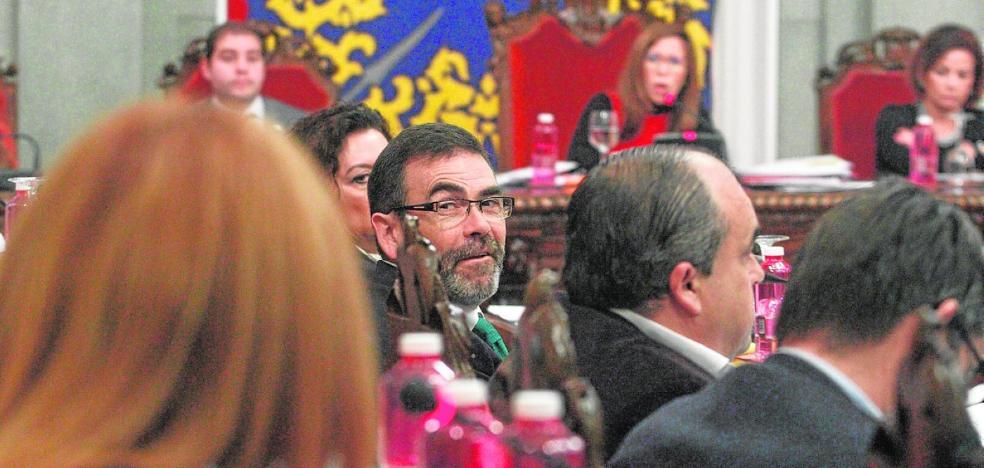 Castejón necesitará al PP para aprobar los presupuestos si hay ruptura con MC