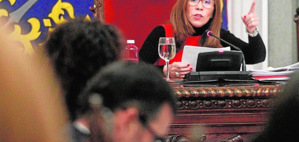 El PSOE cierra filas en torno a Castejón y MC debate hoy si deja ya el gobierno municipal