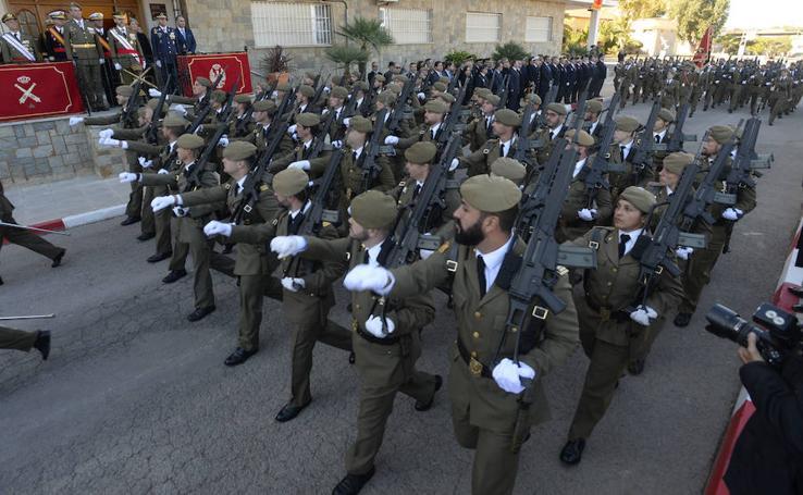 Los militares honran a la patrona del Arma de Artillería