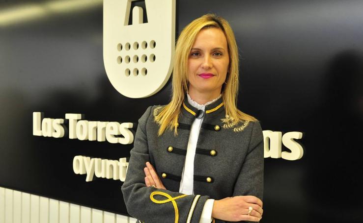 Isabel Zapata asume el reto de mantener la hegemonía del PP que lega Coronado