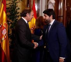 López Miras: «El agua es un derecho constitucional que debe cumplirse»