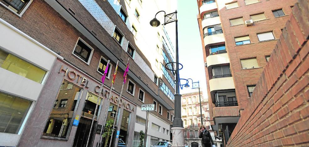 Un fondo francés y la cadena B&B compran el Hotel Cartagonova