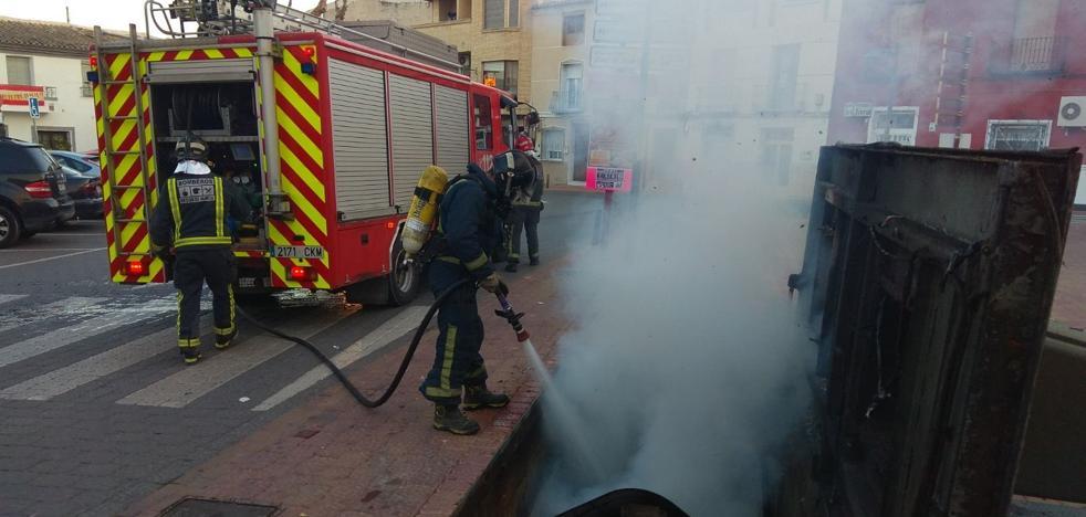 Arde un contenedor subterráneo en Ceutí