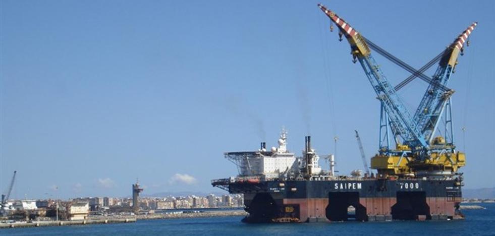 Atraca en Cartagena la segunda grúa marina más grande del mundo